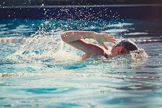 Enfant nageur
