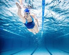 Nager au Centre aquatique l'Odyssée